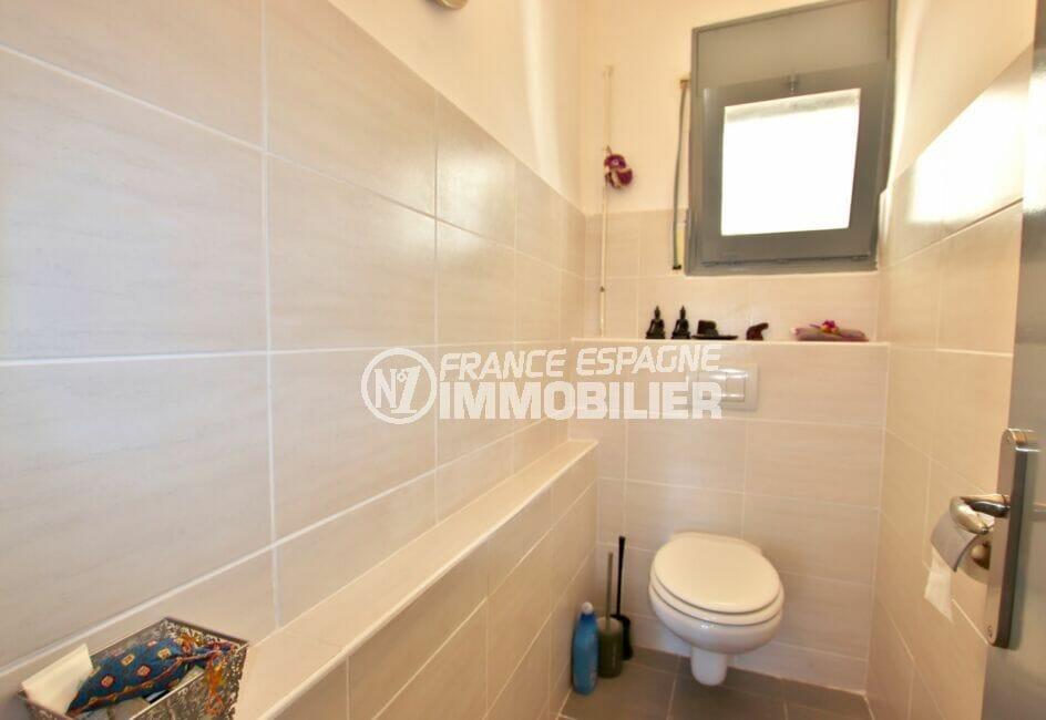 maison a vendre espagne bord de mer, 4 pièces 166 m², wc indépendant, étagères