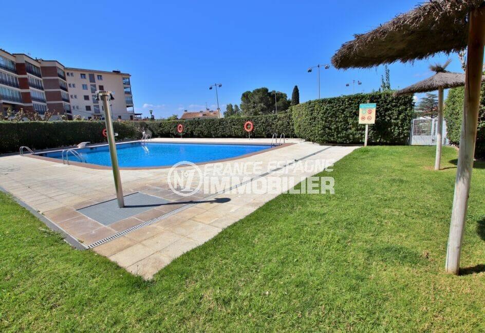 immo costa brava: appartement 5 pièces 95 m², résidence avec piscine communautaire et jardin