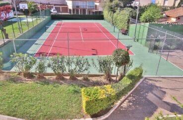 la costa brava: appartement 5 pièces 95 m², résidence avec terrain de tennis