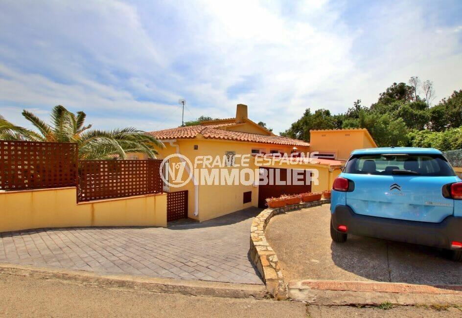 achat rosas: villa  4 pièces 145 m² avec terrain de 547 m² et cour intérieure