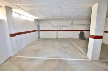 vente immobiliere rosas: parking sous-terrain proche port, 200 m plage ref.4192