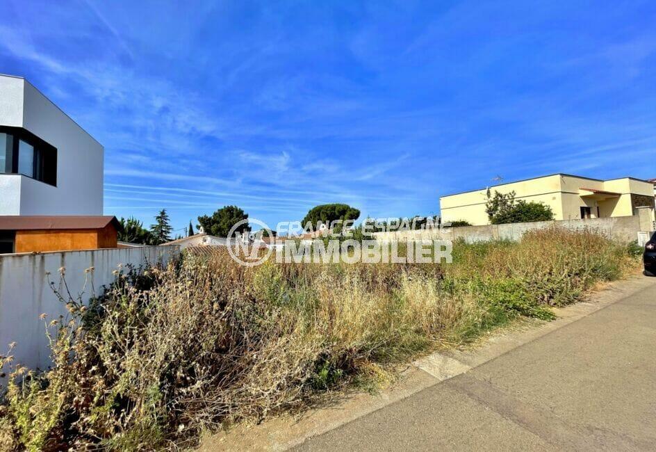 vente immobiliere rosas: terrain constructible 392 m² dans secteur calme de rosas