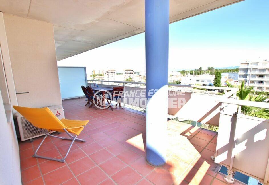appartement roses, 2 pièces à santa margarida, grande terrasse vue marina