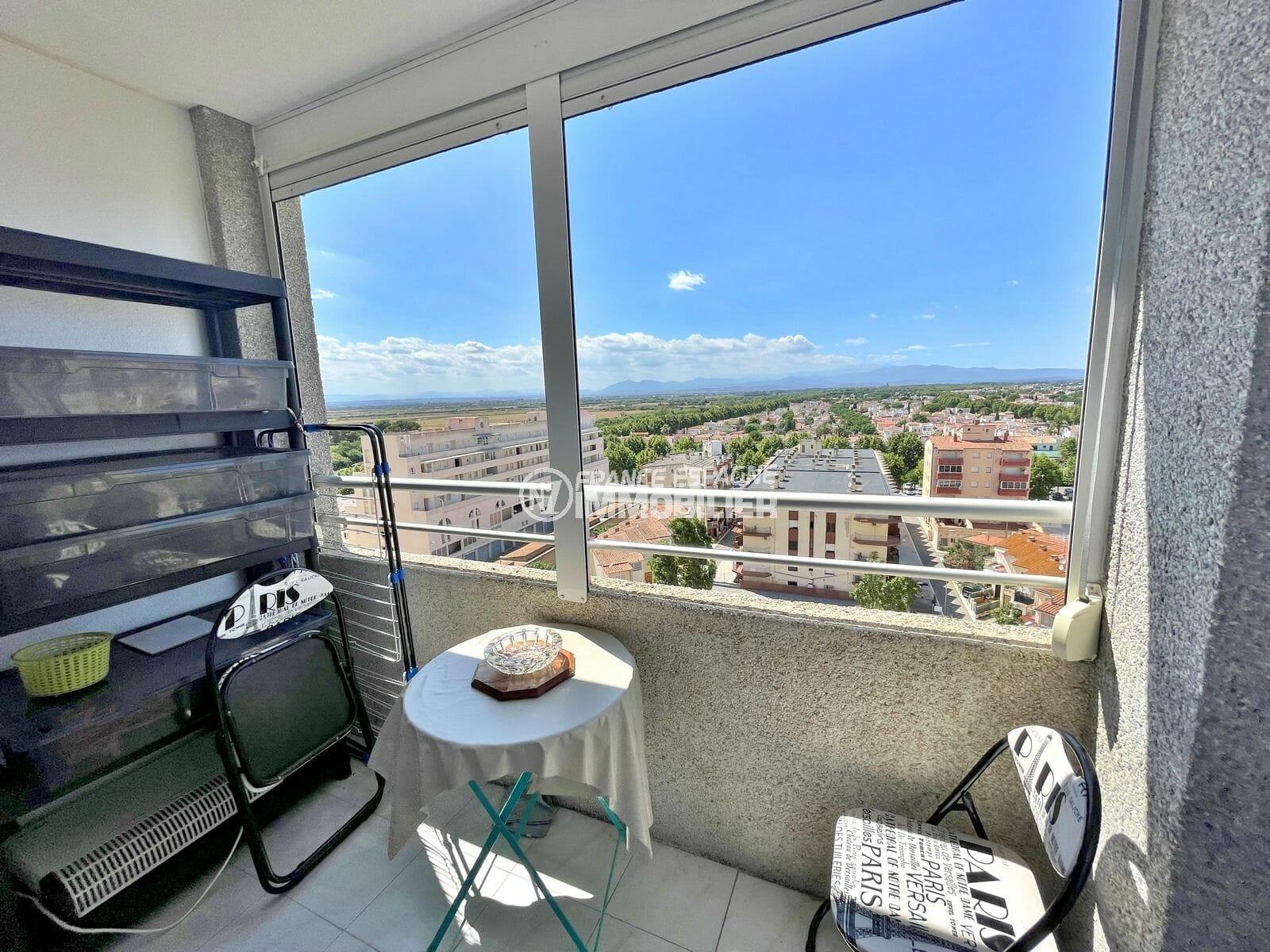 appartement empuriabrava: studio 24 m² avec terrasse véranda vue dégagée