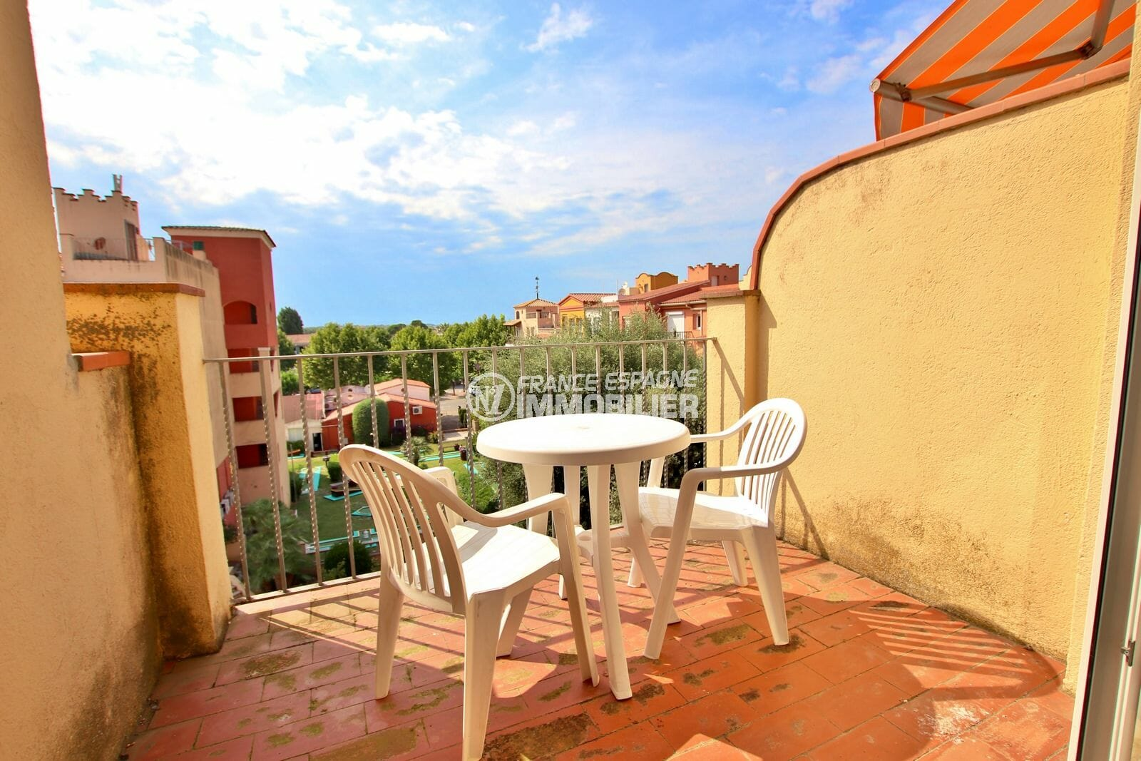 immo empuria, vente appartement 2 pièces 45 m² terrasse aperçu mer
