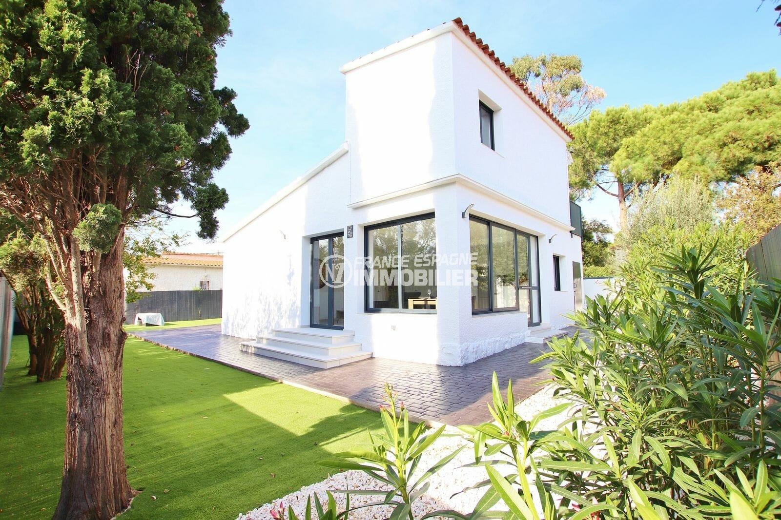 maison a vendre rosas, 105 m² construit sur terrain de 400 m², possibilité piscine, proche plage et commerces