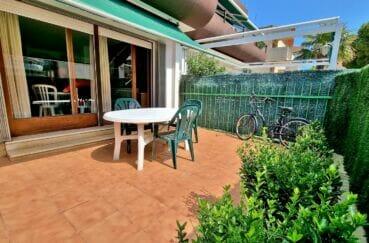 studio roses, santa margarida, 44 m² avec une belle terrasse et  un jardin privé, parking extérieur, plage à 200 m