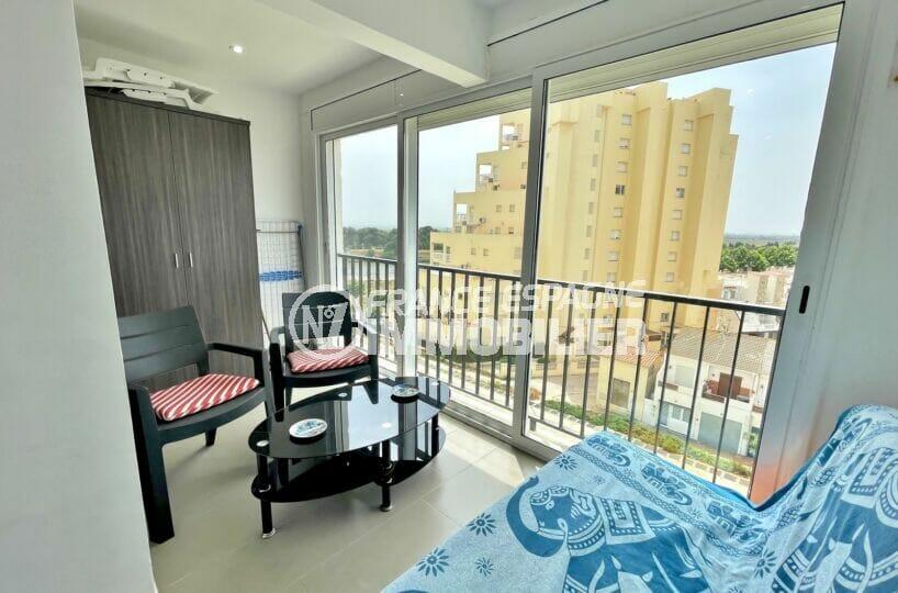 appartement a vendre empuriabrava, 2 pièces 31 m² vue canal, entièrement rénové