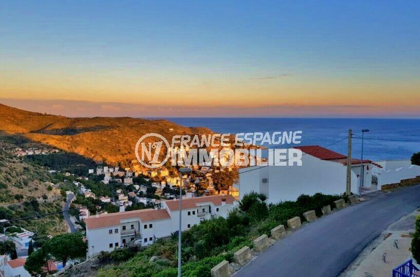 maison a vendre espagne bord de mer, 3 pièces 59 m² avec une terrasse de 9 m² vue mer, parking privé extérieur, proche plage et commerces