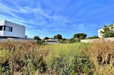 vente immobilière rosas: terrain contructible de 392 m², secteur résidentiel