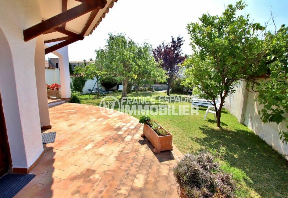 maison a vendre empuria brava, 4 chambres 165 m², 3 terrasses donnant sur jardin 500 m²