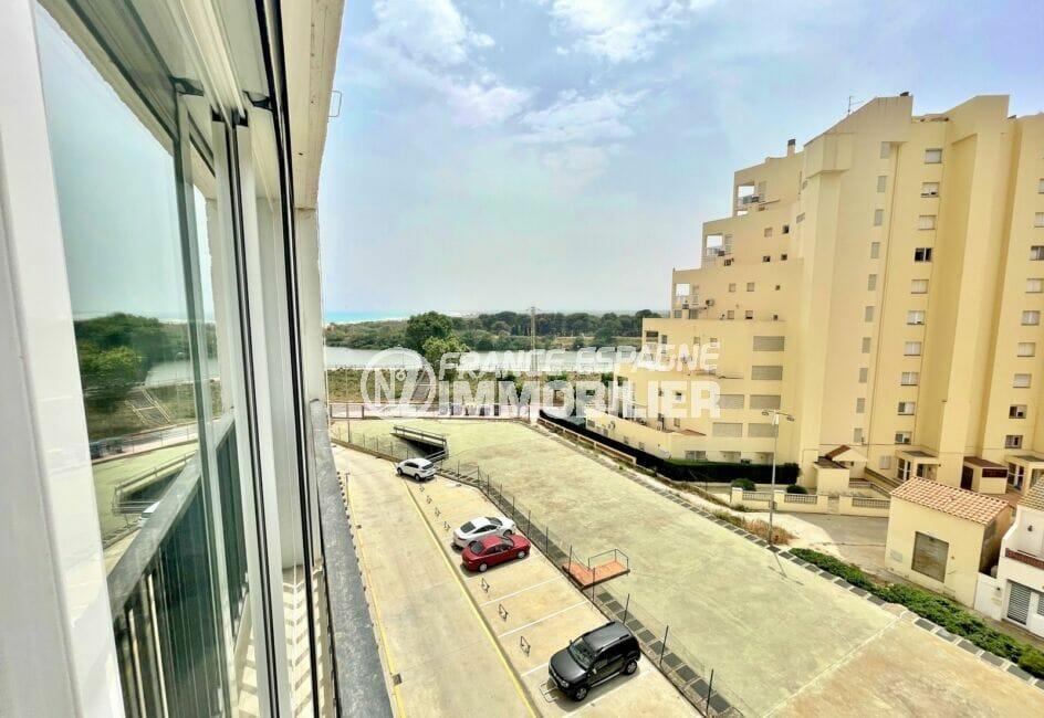 appartement empuria brava, 2 pièces 31 m² vue canal, parking privé possible