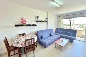 appartement empuria brava, studio 24 m² avec terrasse, pièce principale très lumineuse