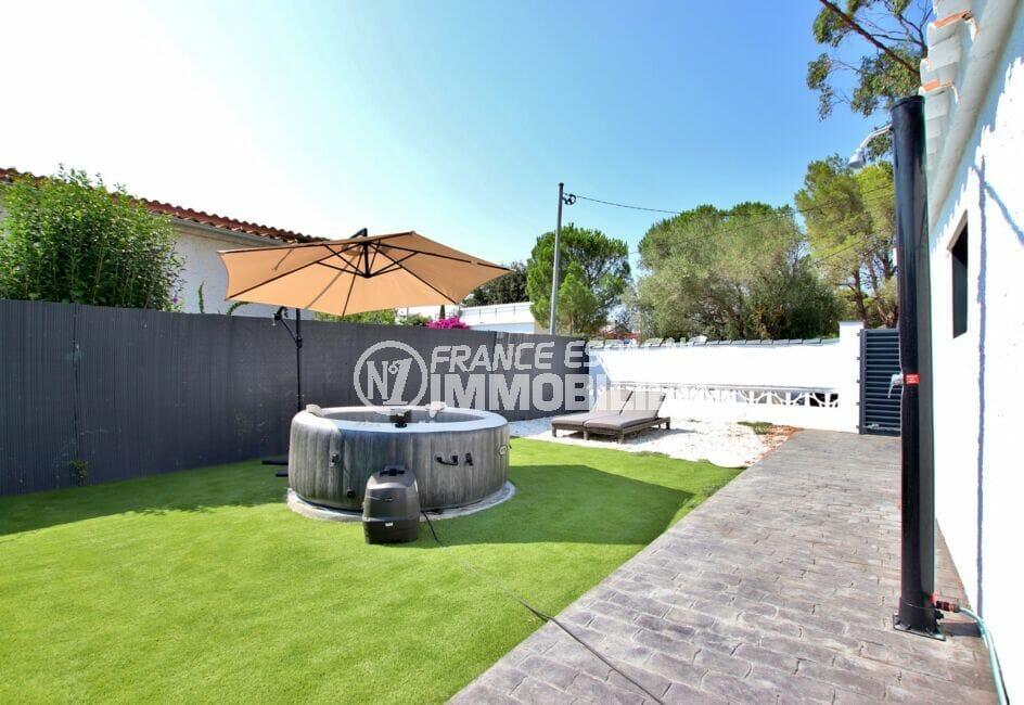 maison a vendre a rosas, 105 m² 3 chambres, jardin avec jacuzzi