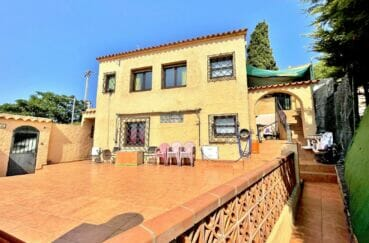 maison a vendre rosas, 136 m² avec 4 chambres, terrasse avec barbecue, vue mer