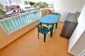 acheter appartement costa brava, sppacieux 37 m², terrasse aménagée d'une table et chaises