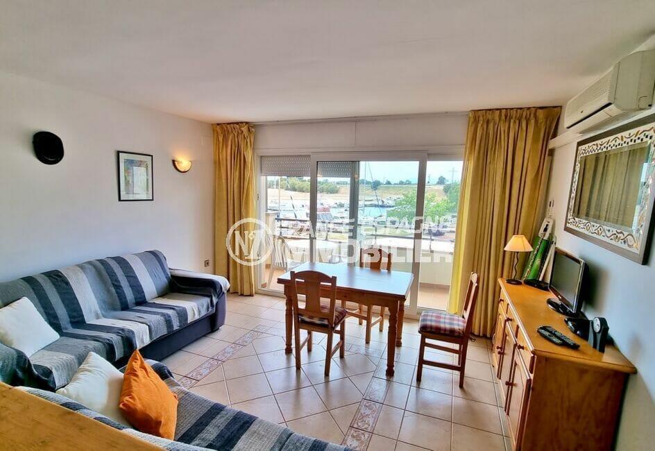 appartement a vendre a rosas, 2 pièces 48 m², séjour avec accès terrasse, climatisation