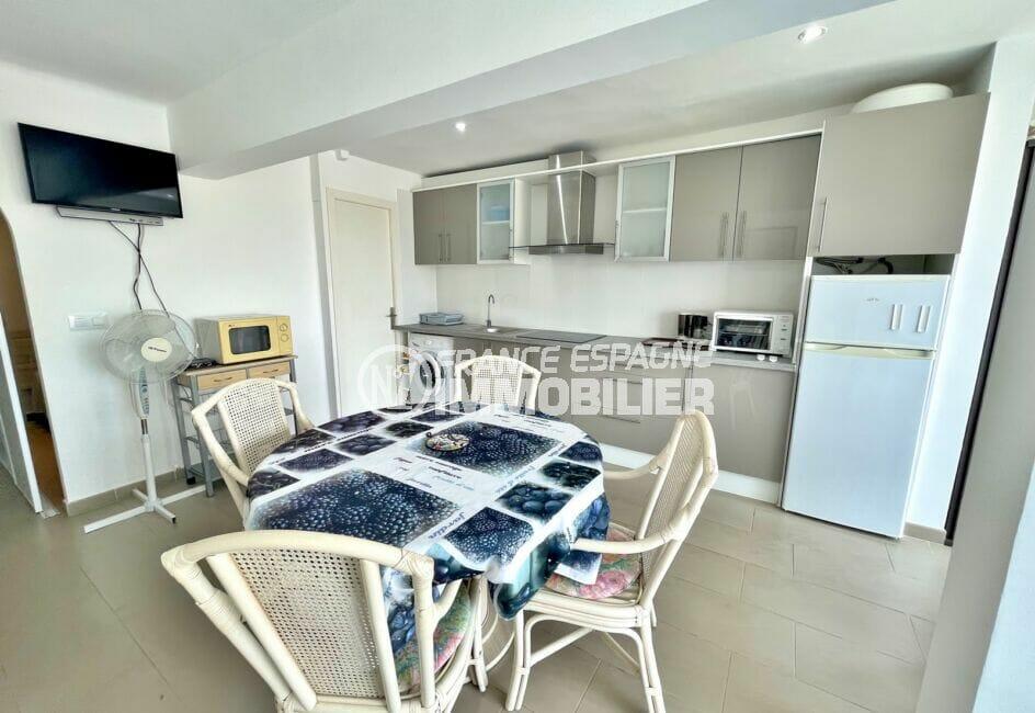 vente appartement empuriabrava, 2 pièces 31 m², séjour avec cuisine ouverte équipée