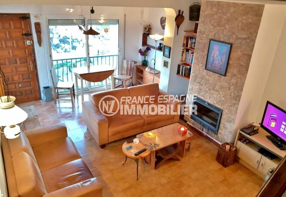 achat maison espagne costa brava, 3 pièces 59 m², séjour lumineux avec accès à la terrasse