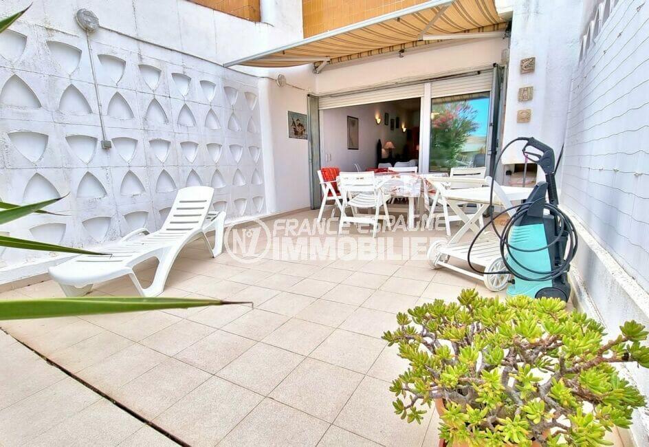 achat maison rosas espagne, 89 m² avec terrasse et amarre 10m x 3m, proche toutes commodités