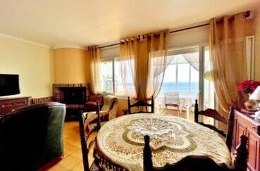 appartements a vendre a rosas, 3 pièces 60 m² front de mer, grand séjour à coin salle à manger