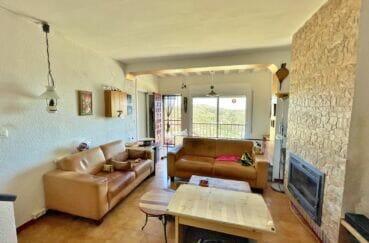 vente immobiliere rosas: villa 3 pièces 59 m², séjour avec cheminée et climatisation