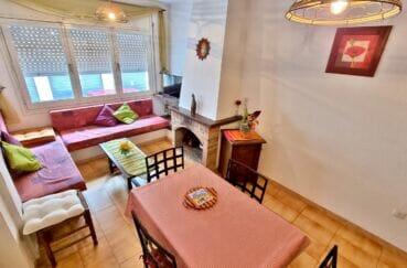 maison a vendre costa brava vue mer, 93 m² 2 chambres, séjour avec cheminée