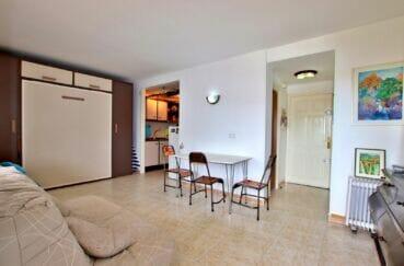 appartements a vendre a rosas, spacieux 37 m², séjour avec cuisine ouverte