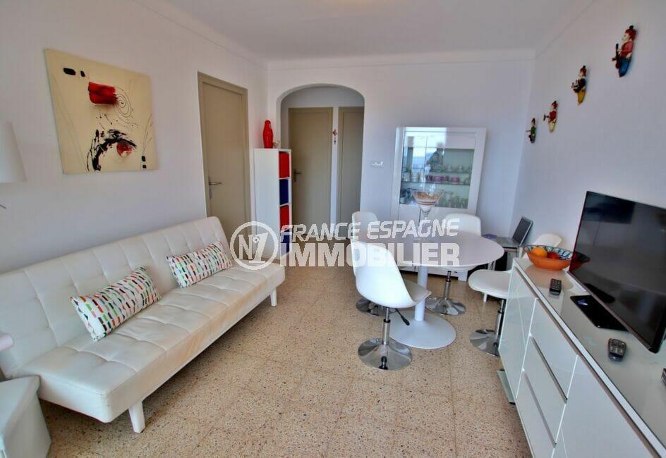 achat appartement costa brava vue mer, 3 pièces 44 m² terrasse, salon avec son coin repas