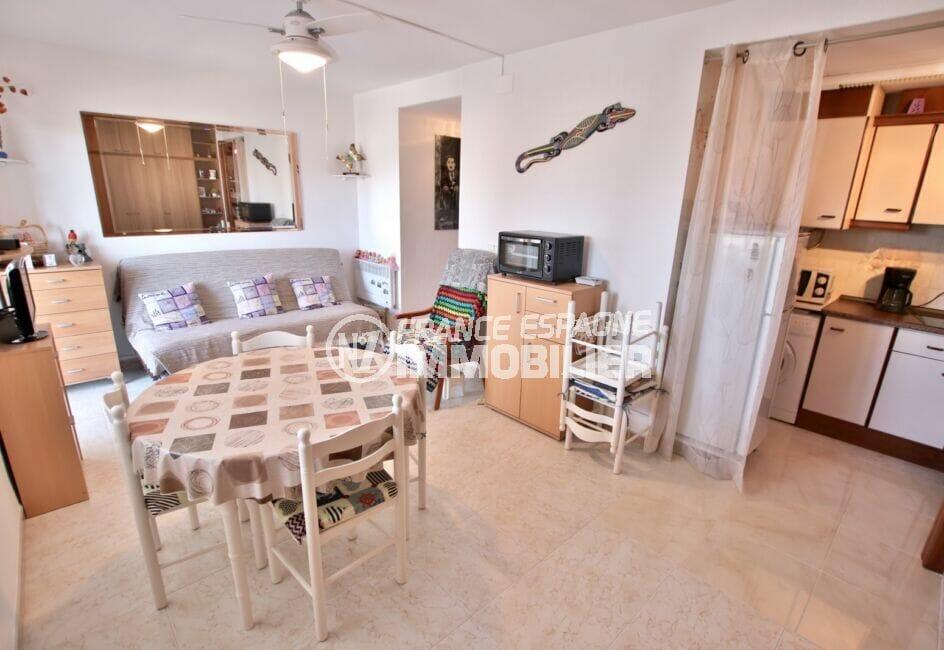residence santa margarita: studio 37 m² vue canal, cuisine ouverte sur le séjour