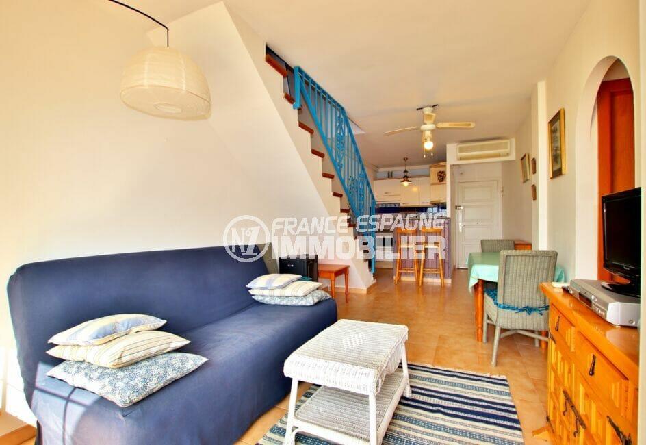 appartement a vendre costa brava, 2 pièces 45 m², séjour avec coin salle à manger et cuisine us