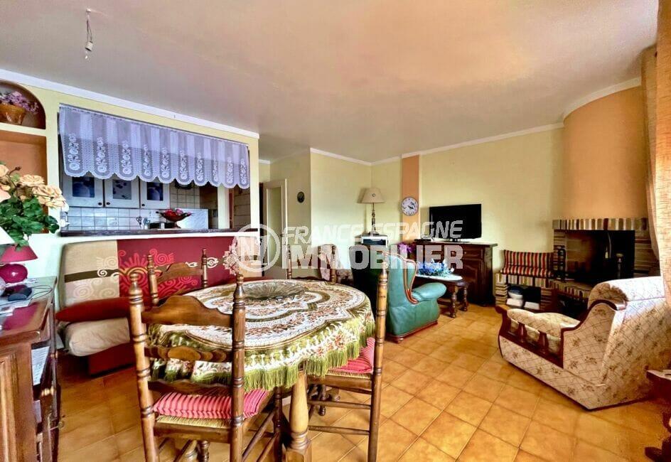 vente appartement costa brava, 3 pièces 60 m² front de mer, grand séjour avec cuisine américaine