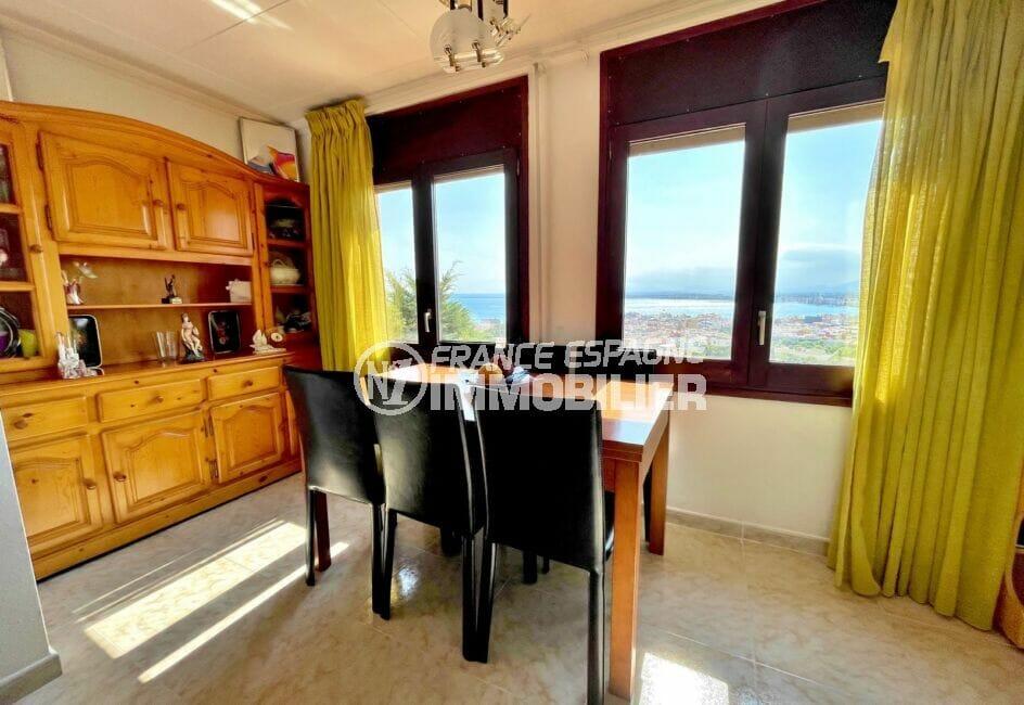 achat maison rosas, 136 m² avec 4 chambres, séjour avec coin repas, vue mer