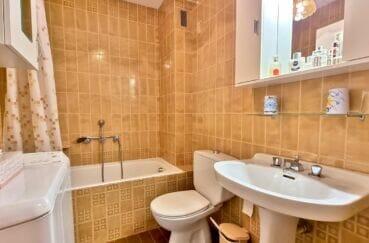roses santa margarida: studio 44 m², salle de bain avec baignoire et wc