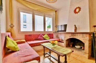maison a vendre empuria brava, 93 m² 2 chambres, salon / séjour vu de la cuisine ouverte