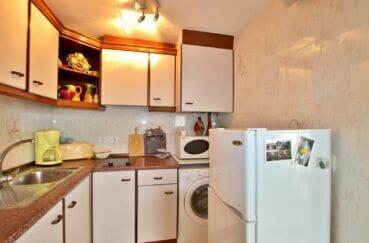 achat appartement rosas, spacieux 37 m², cuisine aménagée et équipée, branchemennt lave-linge