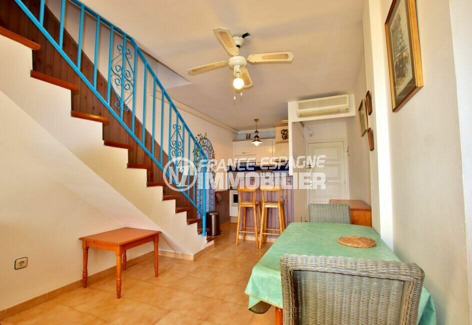 appartement a vendre empuriabrava, 2 pièces 45 m², séjour avec cuisine ouverte