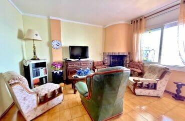 achat appartement costa brava, 3 pièces 60 m² front de mer, grand séjour avec cheminée
