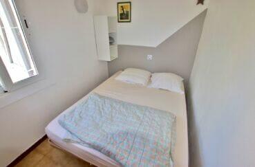 vente immobiliere rosas: villa 55 m² à 200m de la plage, seconde chambre à l'étage