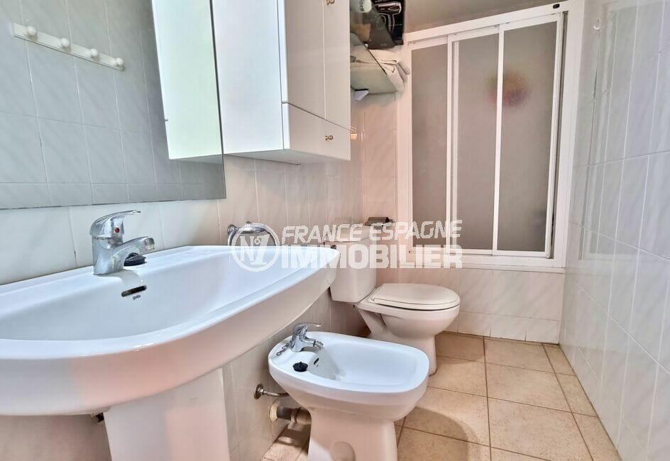 acheter appartement rosas, 2 pièces 48 m², salle de bain avec baignoire et wc