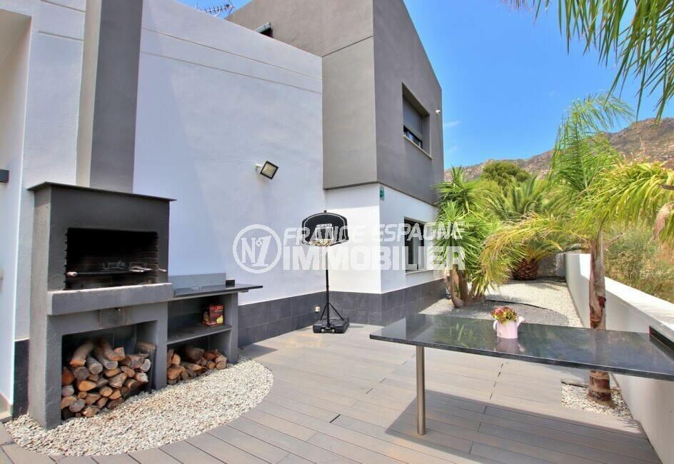 achat immobilier espagne costa brava: villa 215 m² avec terrasse, grand barbecue