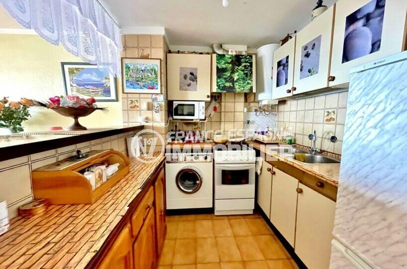 appartement à vendre à rosas espagne, 3 pièces 60 m² front de mer, cuisine américaine équipée