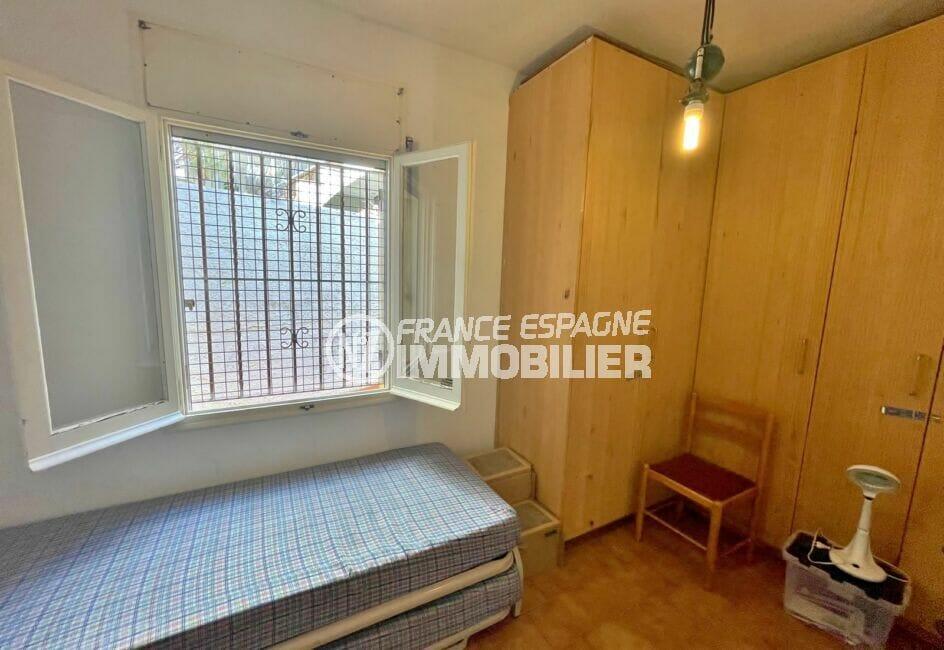 achat maison roses espagne, 3 pièces 59 m², chambre à coucher, lit simple, grande armoire