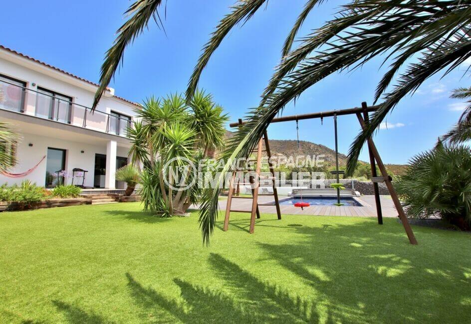 maison a vendre espagne bord de mer, 215 m² avec jardin, piscine et un petit aire de jeux