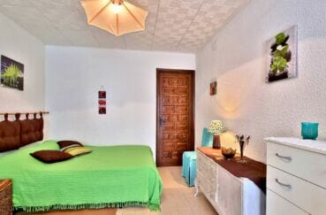 achat maison costa brava, 93 m² première chambre claire avec lit double