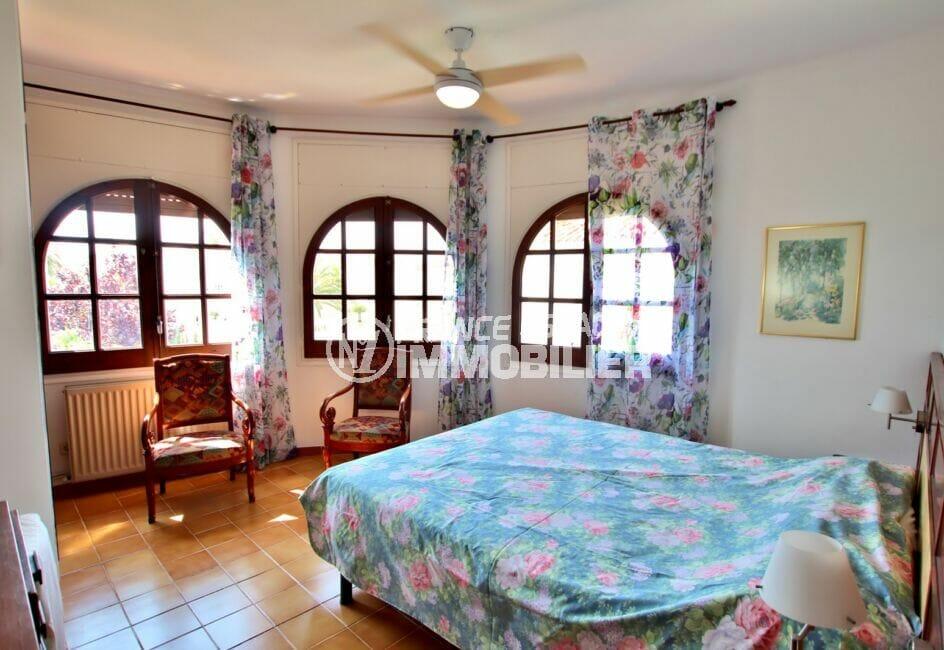 maison a vendre empuriabrava avec amarre, 165 m², chambre 1 sur 4, avec lit double