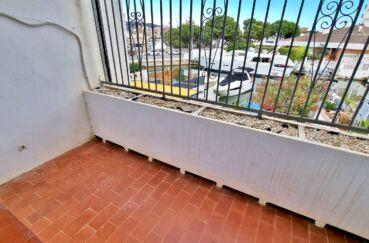 achat maison roses espagne, 89 m² avec amarre, terrase de la chambre parentale avec vue canal