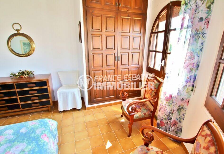 achat maison espagne costa brava, 165 m², chambre 1 sur 4, placards intégrés
