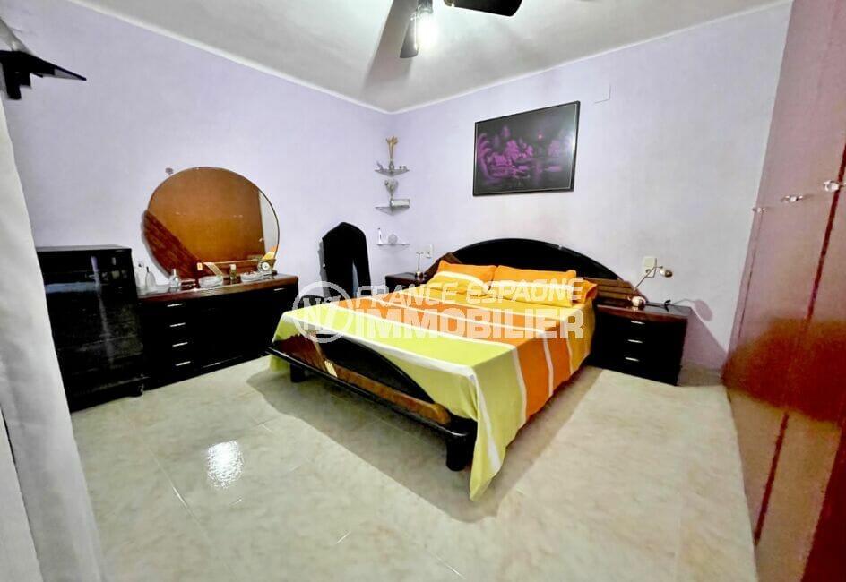 acheter a rosas: villa 136 m², 1° chambre, lit double, ventilateur au plafond