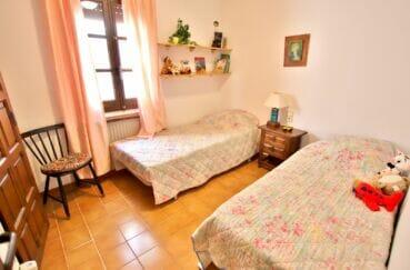 la costa brava: villa 165 m², chambres 3 sur 4, lits jumeaux pour enfants
